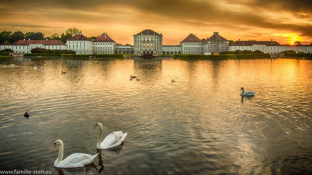 Sonnenuntergang über dem Schloss Nymphenburg