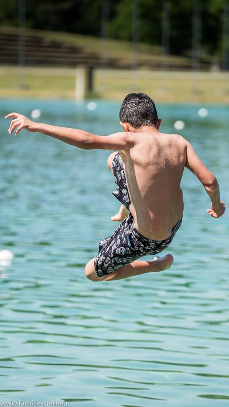 Sprung ins Wasser / Regattastrecke Oberschleißheim