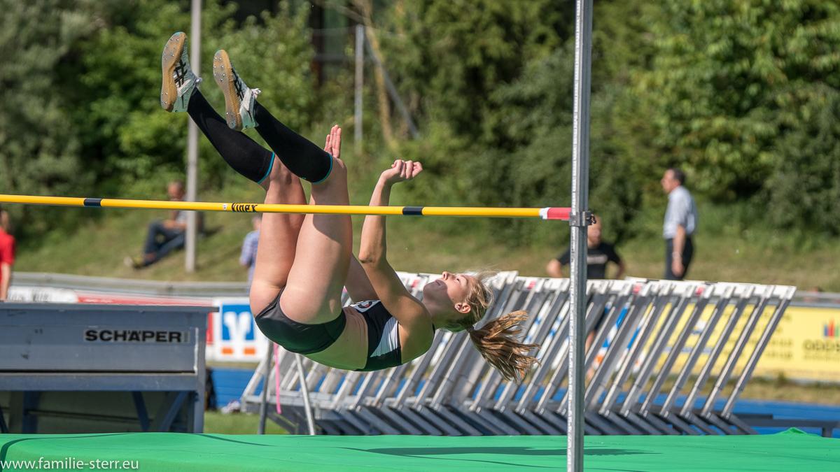 Hochspringerin bei den Leichtathletik Bayerische Meisterschaften 2016 in Erding