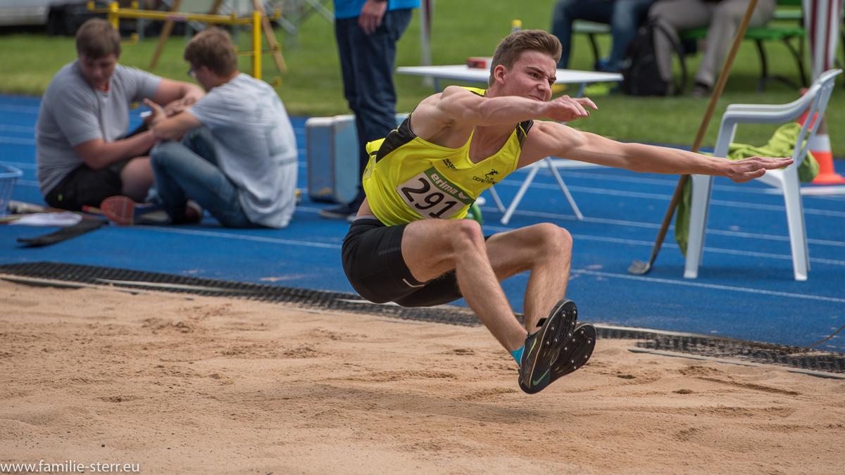 Weitspringer bei den Leichtathletik Bayerische Meisterschaften 2016 in Erding