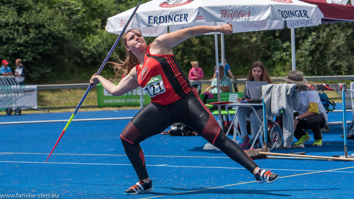 Speerwerferin bei der Leichtathletik Bayerische Meisterschaften 2016 in Erding
