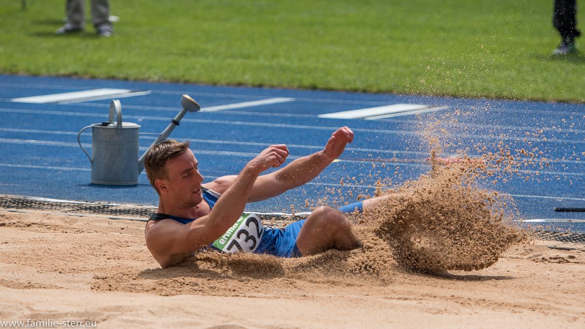 Weitspringer bei der Leichtathletik Bayerische Meisterschaften 2016 in Erding