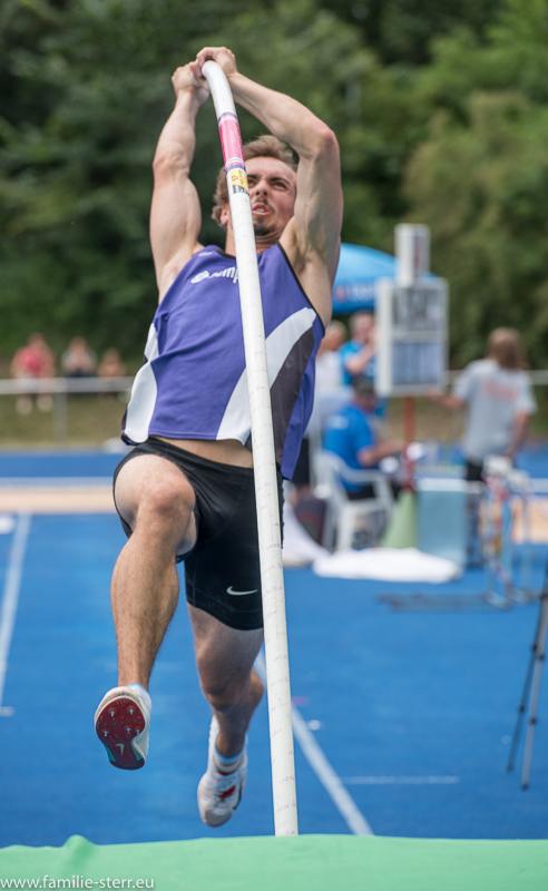 Stabhochspringen bei der Leichtathletik Bayerische Meisterschaften 2016 in Erding