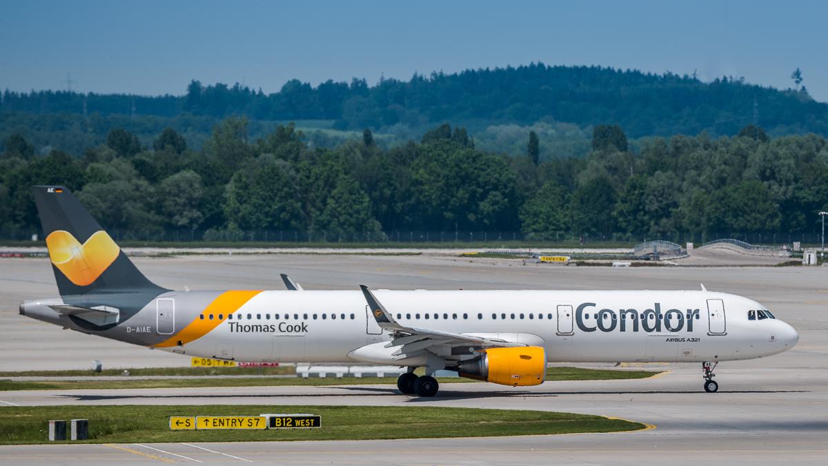 Ferienflieger Condor A321 am Flughafen München
