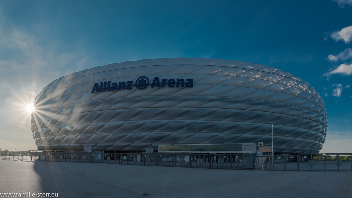 Nachmittagssonne an der Allianz Arena