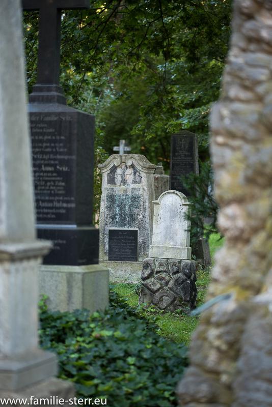 Gräber auf dem Alten Nordfriedhof in München