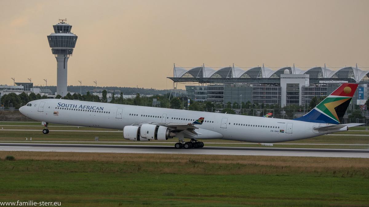 South African Airways A340-624 ZS-SND bei der Landung in München