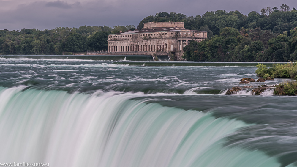Die Horseshoe - Fälle, der kanadische Teil der Niagarafälle