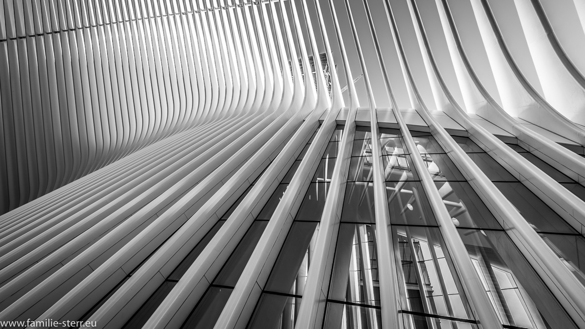 Fassadendetails der PATH - Station am World Trade Center in New York