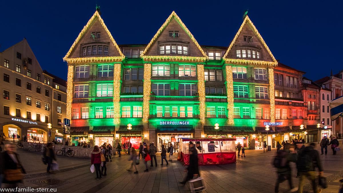 weihnachtliche beleuchtetes Kaufhaus Oberpollinger in München