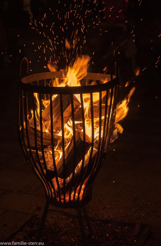 Feuerkorb auf dem Christkindlmarkt Dorfen