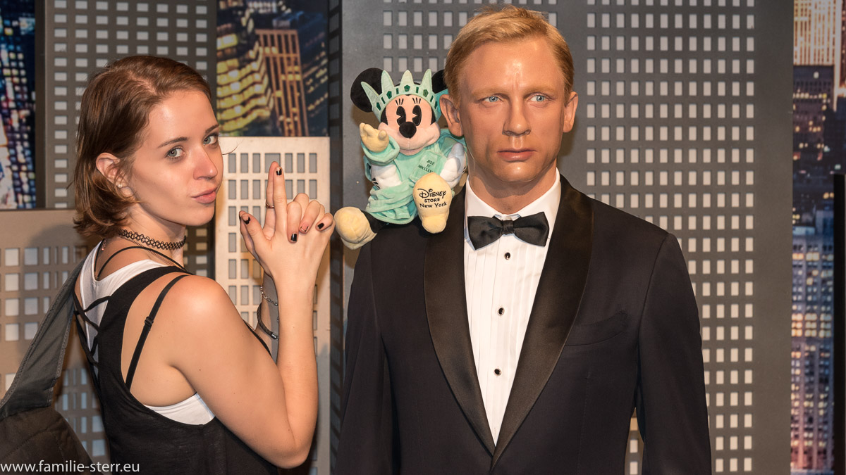 Melanie und James Bond bei Madame Tussaud in New York
