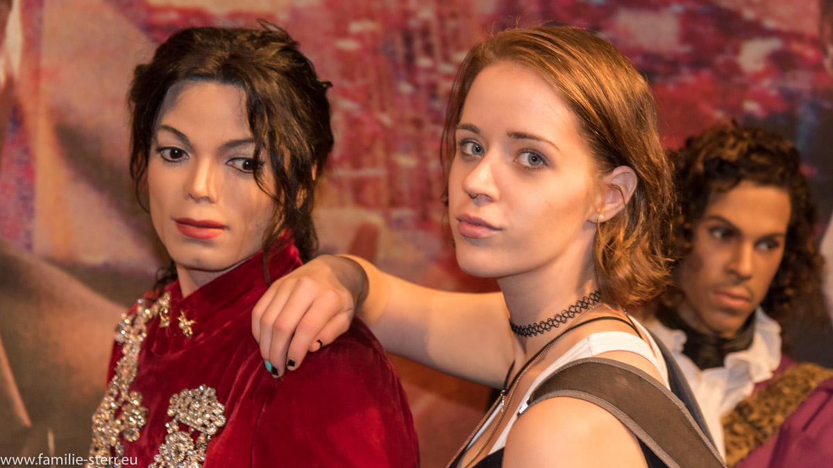 Melanie und Michael Jackson bei Madame Tussaud in New York