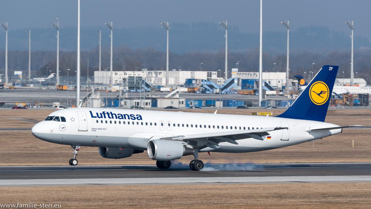 """Airbus A320-200 """"Fulda"""" bei der Landung am Flughafen München"""