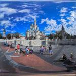 Das Märchenschloss im Magic Kingdom als Panoramaufnahme