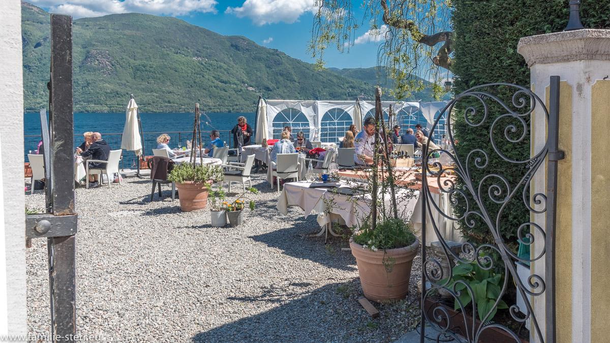 Die Terrasse des Restaurants in der Albergo Cannobio