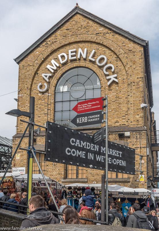 Das Hauptgebäude des Camden Lock Market in London