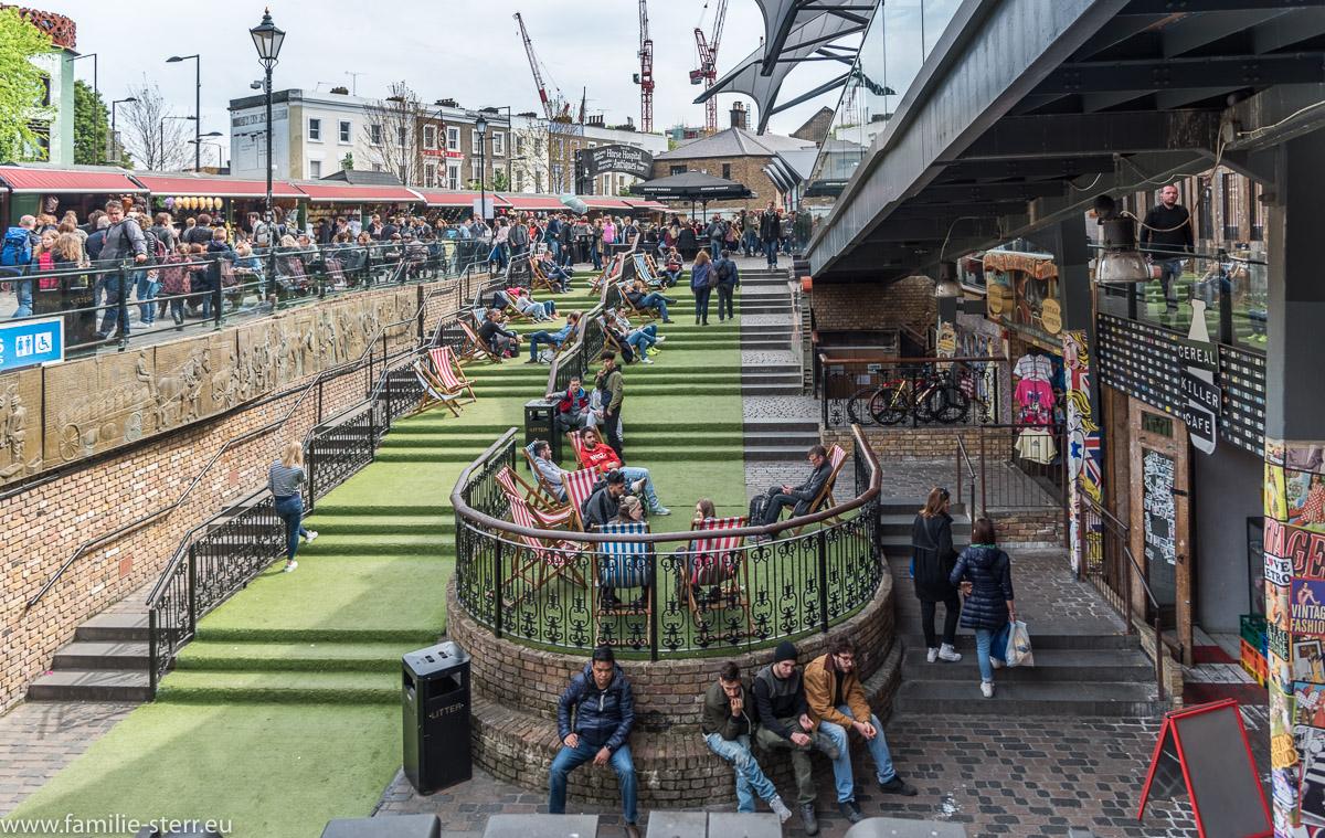 Biergarten und Entspannungsbereich im Camden Lock Market
