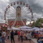 Riesenrad am Schrannenplatz beim Altstadtfest in Erding