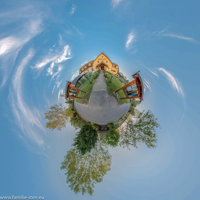 das Seehotel Burg Spreewald als Little Planet