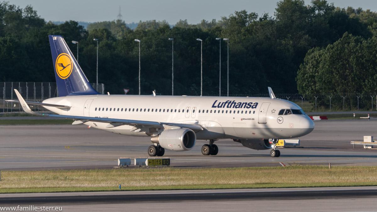 Lufthansa Airbus A320-214 D-AIUM