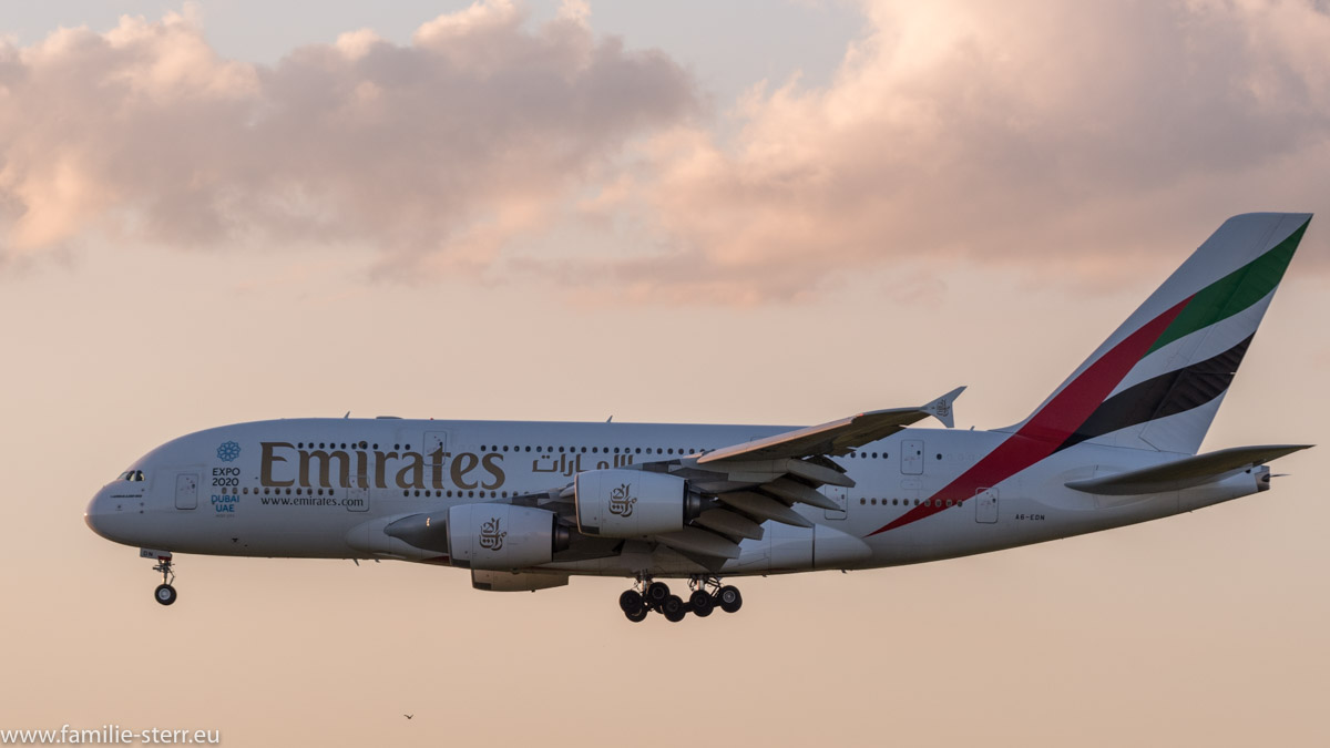 Emirates Airbus A380-861 A6-EDN