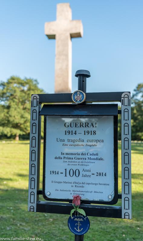 Gedenktafel für die Gefallenen des 1. Weltkriegs am italienischen Soldatenfriedhof in München