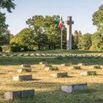 Grabmale am italienischen Soldatenfriedhof in München