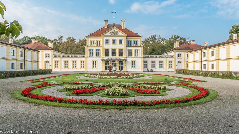 Das Jagdschloss Fürstenried bei München in der Morgensonne