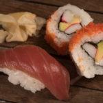 Sushi - Ura-Maki und Thunfisch-Nigri