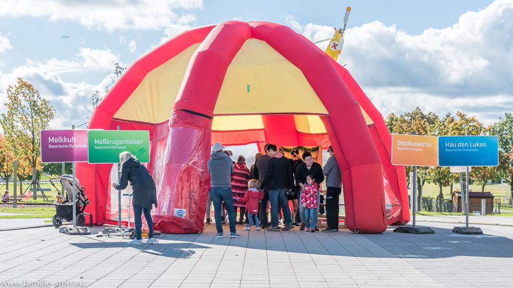 Luftzelt als Austragungsort der Wettbewerbe bei der Bayerischen Olympiade