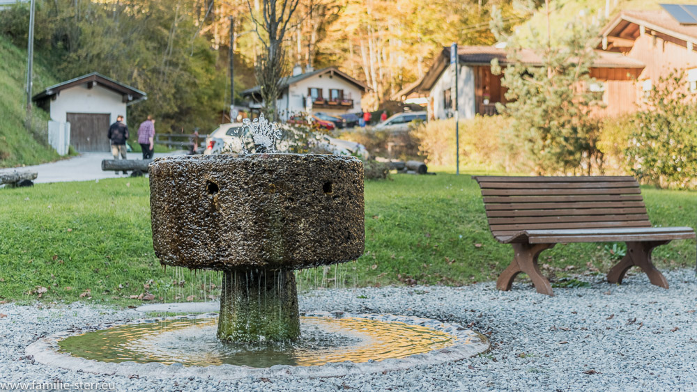 Ramsau Brunnen am Kirchplatz