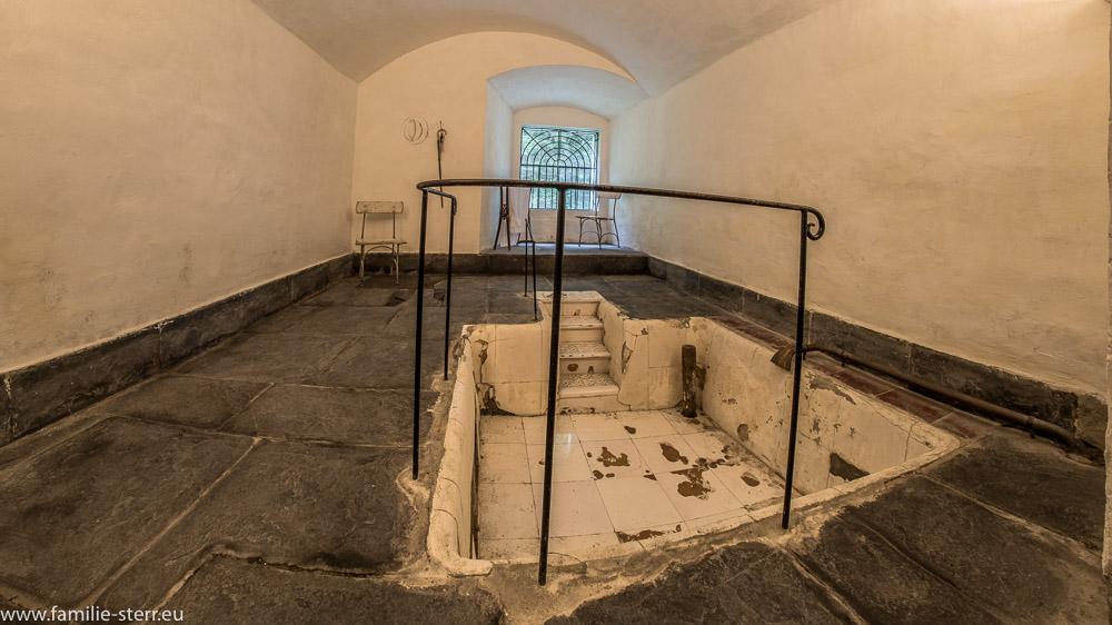 Ein altes Wannenbad im Gästehaus des Alten Bad Pfäfers