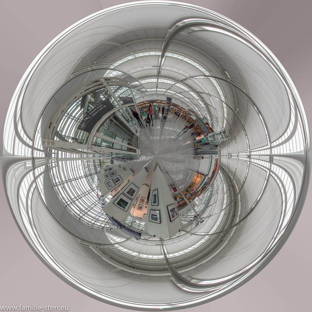 Little Planet - Panorama vom Terminal 2 am Flughafen München