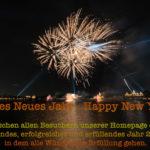 Feuerwerk mit den besten Wünschen für ein gutes Jahr 2018