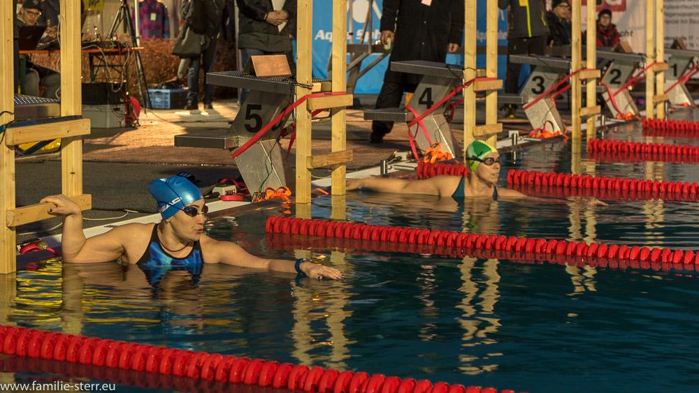 Start eines 1000m - Rennens bei den German Open 2018 im Eisschwimmen im Veitsbad Veitsbronn