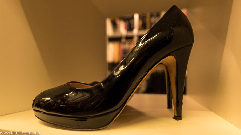 schwarze High Heels aus dem FTA Filmfundus in München
