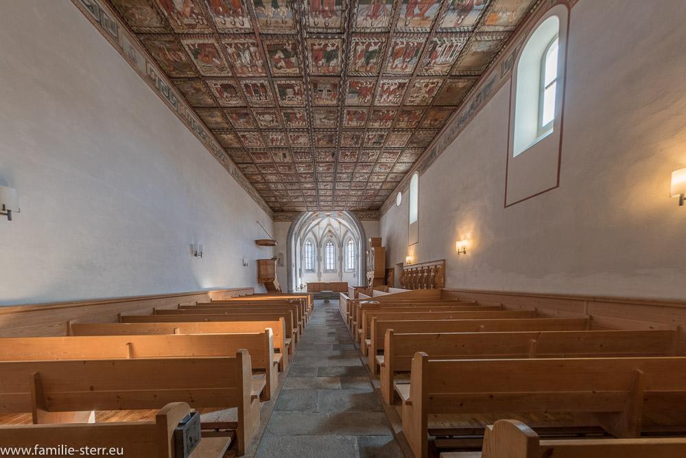 Kirchensaal der romanischen Kirche St. Martin in Zillis