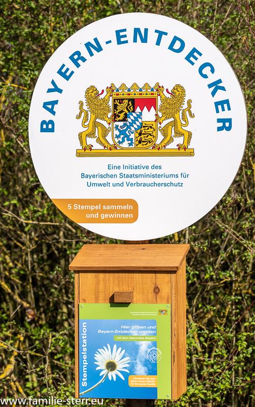 """Schild und Stempelkasten """"Bayern Entdecker"""""""