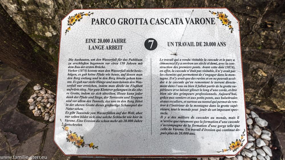 Hinweisschild auf dem Weg durch die Cascata Varone