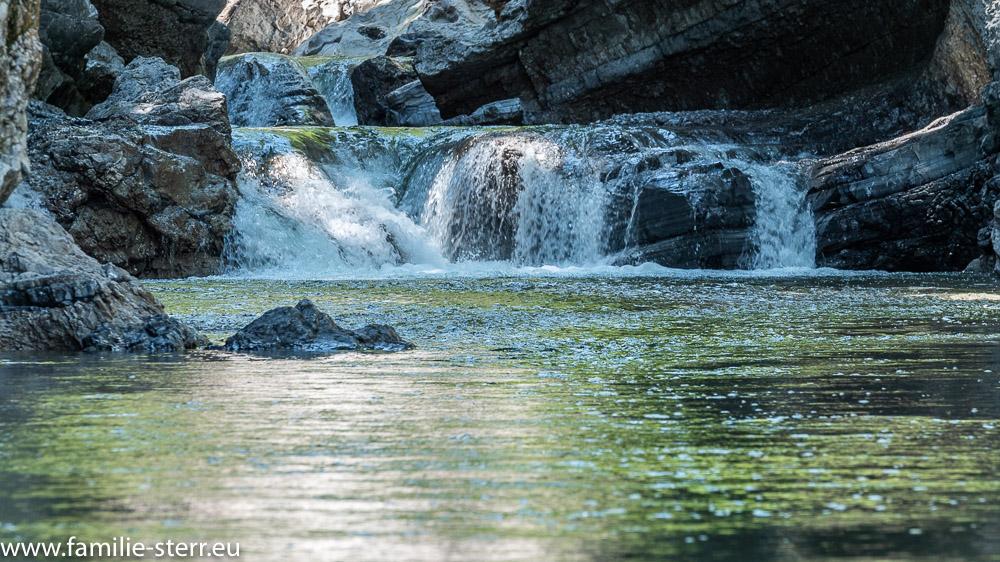 kleiner Wasserfall der Dürrach am Ende der Dürrachklamm am Zufluss zum Sylvensteinspeicher