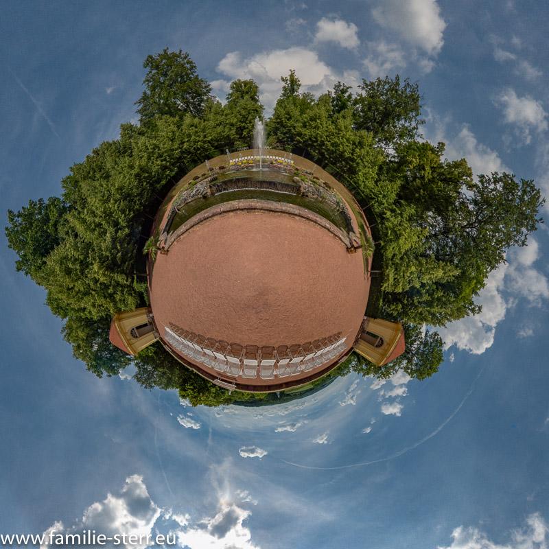 Der Sieben - Künste Brunnen im Barockpark Schloss Lichtenwalde bei Chemnitz
