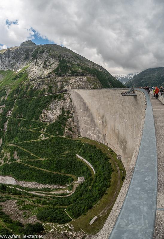 Der Staudamm Kölnbreinsperre mit Skywalk
