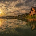 Bootshaus am Faaker See bei Falk im Sonnenaufgang