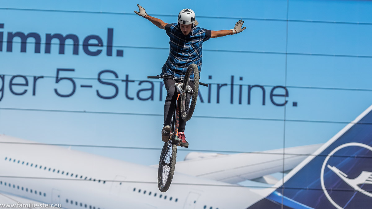 Mountainbike - Jump beim Bike & Style 2018 im Munich Airpot Center