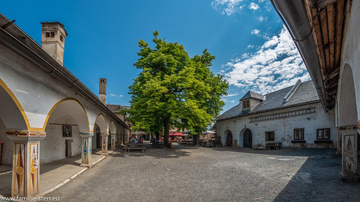 Innenhof der Hochburg / Burg Hochosterwitz