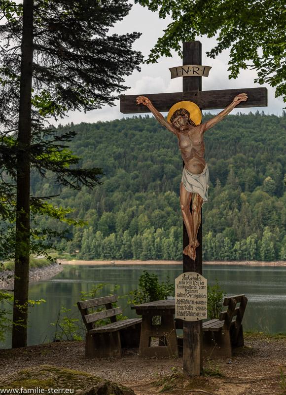 Kreuz / Denkmal an der Trinkwassertalsperre Frauenau