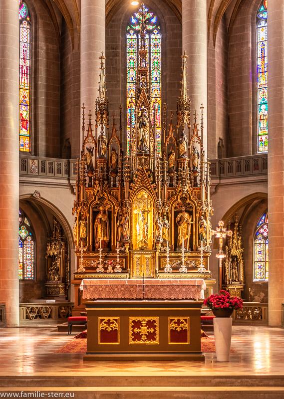 Hochaltar der St. Martin - Basilika in Amber in der Oberpfalz