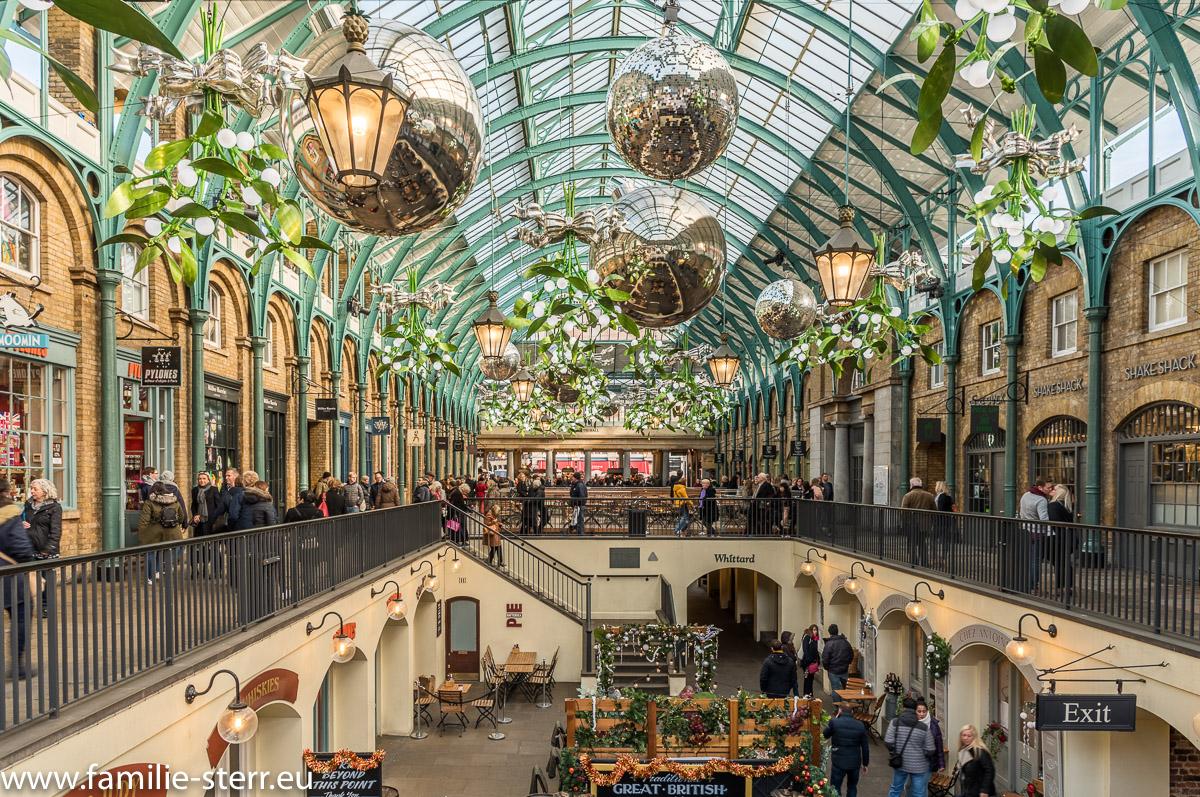 Weihnachtsdekoration im Markt am Covent Garden