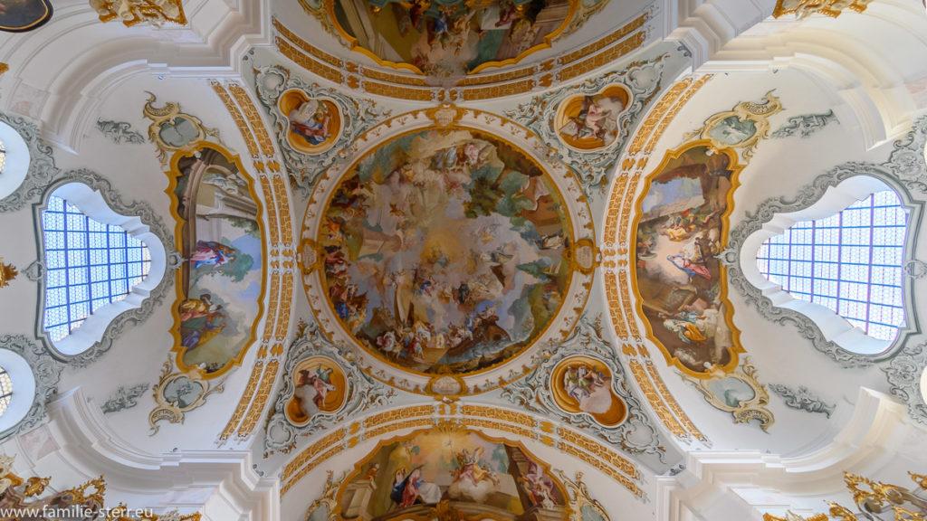 Deckenfresko der Kirche Maria Königin des Rosenkranzes / Marienberg, Burghausen